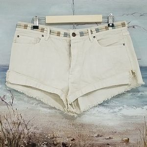 PRICE DROP! FREE PEOPLE ELIOT IVORY CUTOFF SHORTS
